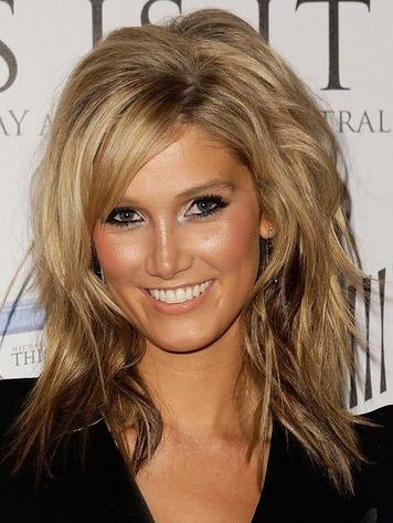 Fryzury Blond Włosy Półdługie