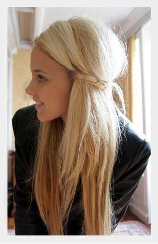 Fryzury Na Wesele Włosy średnie Rozpuszczone